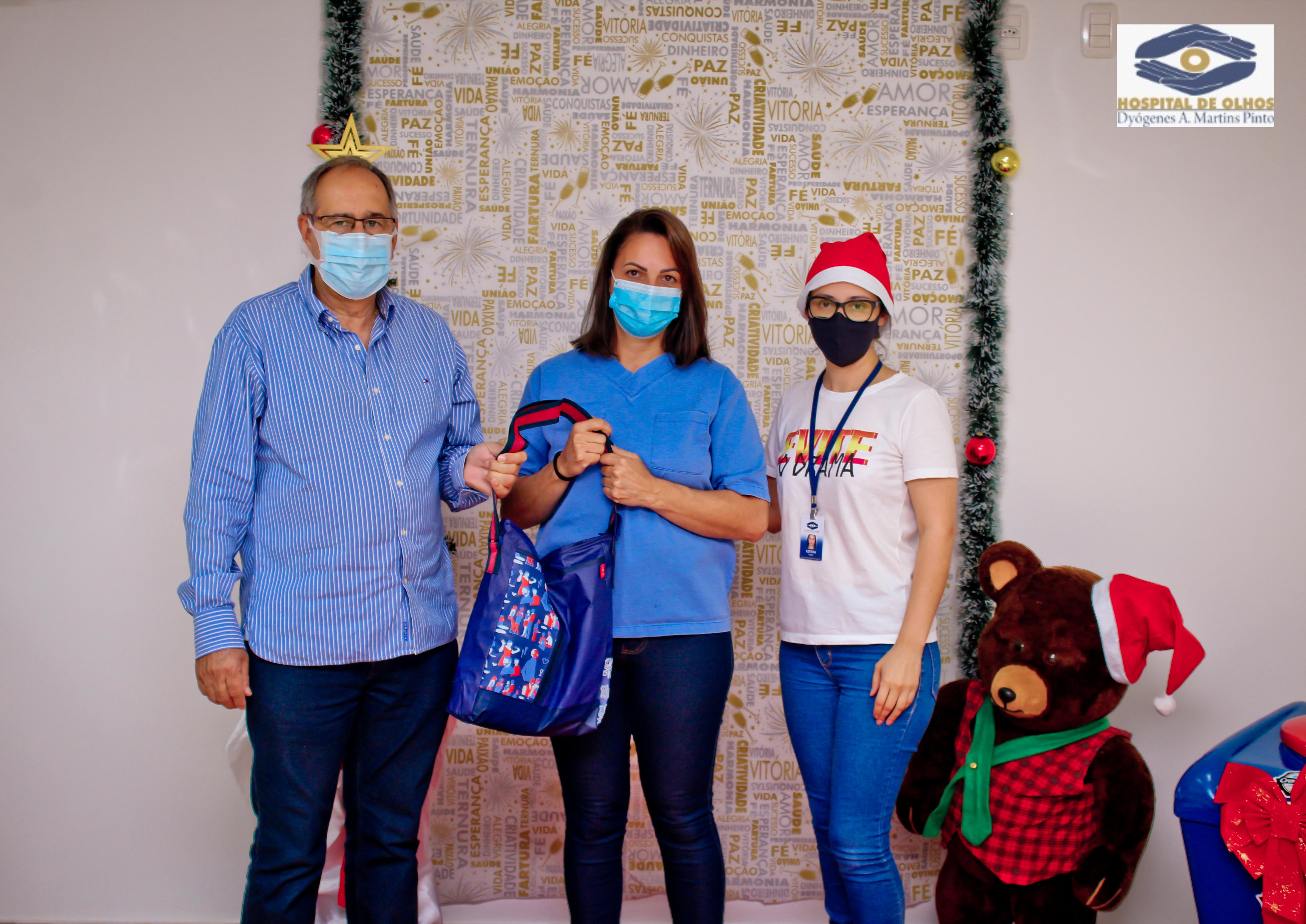Entrega de aves natalinas marca encerramento de 2020 no Hospital de Olhos Lions