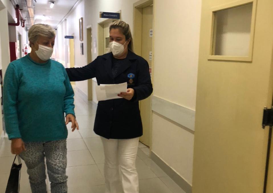 Dia do Enfermeiro: trabalho humanizado marca rotina do Hospital de Olhos Lions